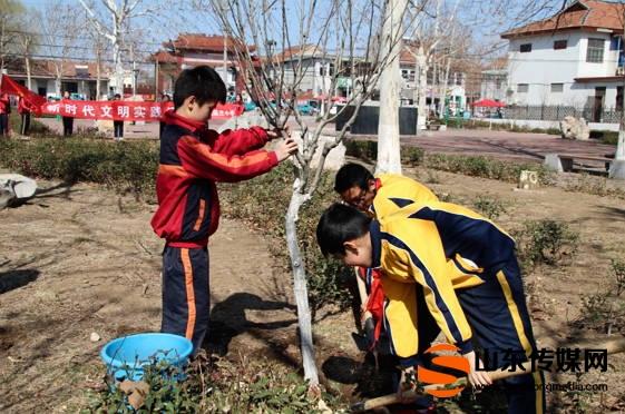 """桓台县陈庄小学""""五个积极""""让学生成为绿色发展的践行者"""