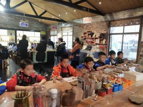 四十亩地小学 探秘博山琉璃 体验传统工艺