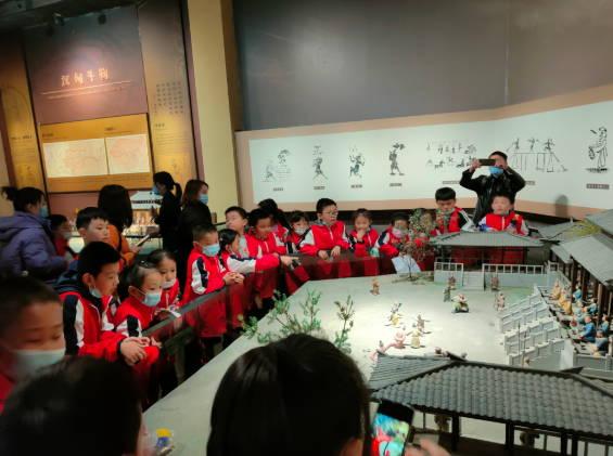 山东淄川:小学生感悟传统文化熏陶
