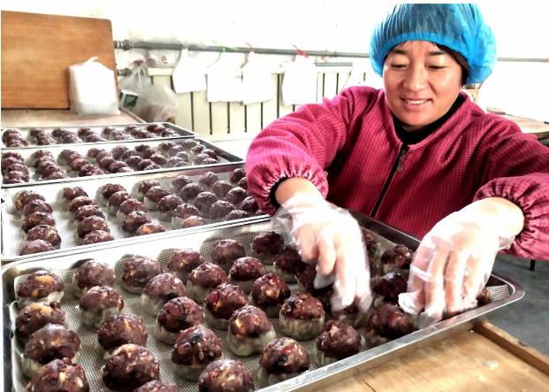 郯城:健康诱人的粘豆包粘住成千上万消费者