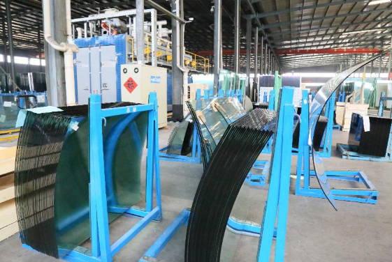 滕州市鲍沟镇提质增效打造玻璃产业高质量发展新引擎