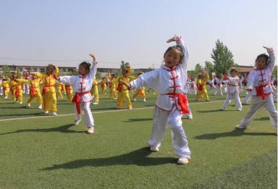 曲阜市尼山镇举办2019年春季中小学田径运动会